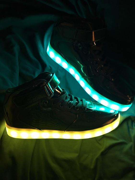 led sneakers shop
