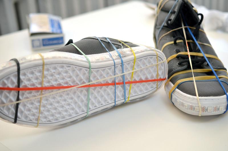 Светящаяся обувь своими руками 484