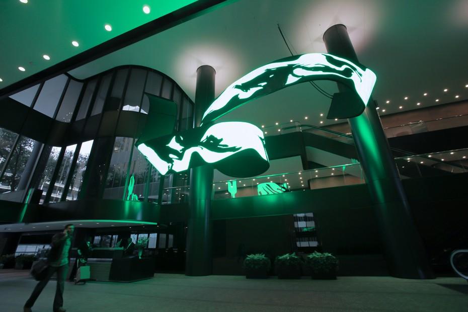 LED видеоинсталляция - гибкий светодиодный экран 5.jpg