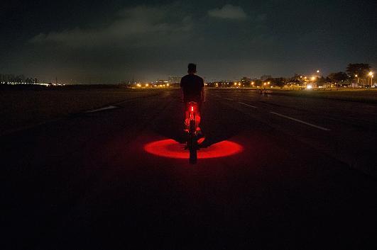Light legt eine 360-Grad-Lichtscheinschutzzone um das Fahrrad 2.jpg