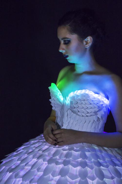 Светящееся платье«Ester» 02