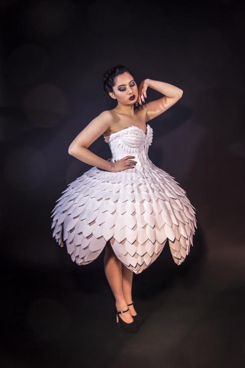 Светящееся платьеEster 11.png