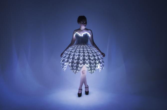 Светящееся платьеEster 13.png