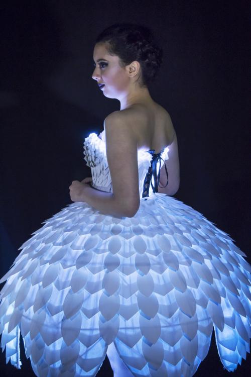 Светящееся платьеEster 18.png
