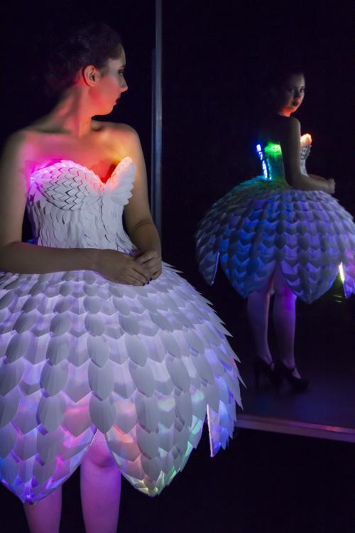 Светящееся платьеEster 19.png