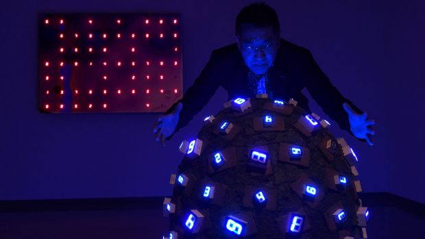 58a39f7bb1820_lightinstallationsart-TatsuoMiyajima-ConnectwithEverything08.jpg.eba4ce5a0832f26da216ae1f77feb20a.jpg