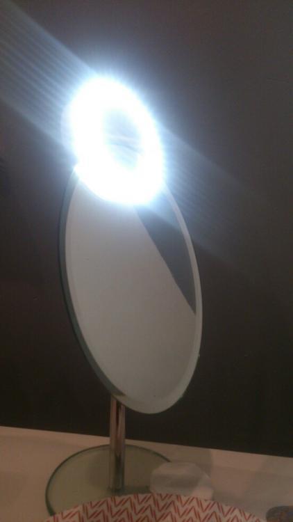 58a9888e9fde7_ledmakeuplightledmakeuplightsledmakeuplampyoutubelampada.thumb.jpg.d229126f3c422a2b3dd6b709d8a12224.jpg