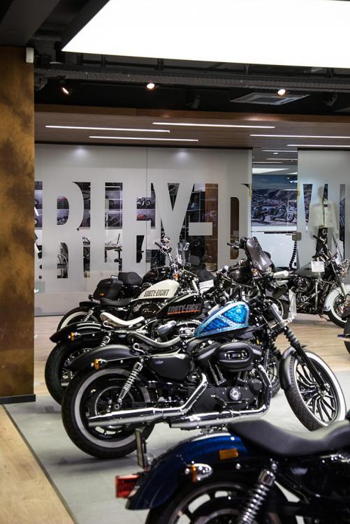 Harley Davidson Shop - beleuchtung für einzelhandel × led beleuchtung ×  shopbeleuchtung led × led beleuchtung für einzelhandel × led beleuchtung einzelhandel × led retail beleuchtung × led-beleuchtung im einzelhandel 2
