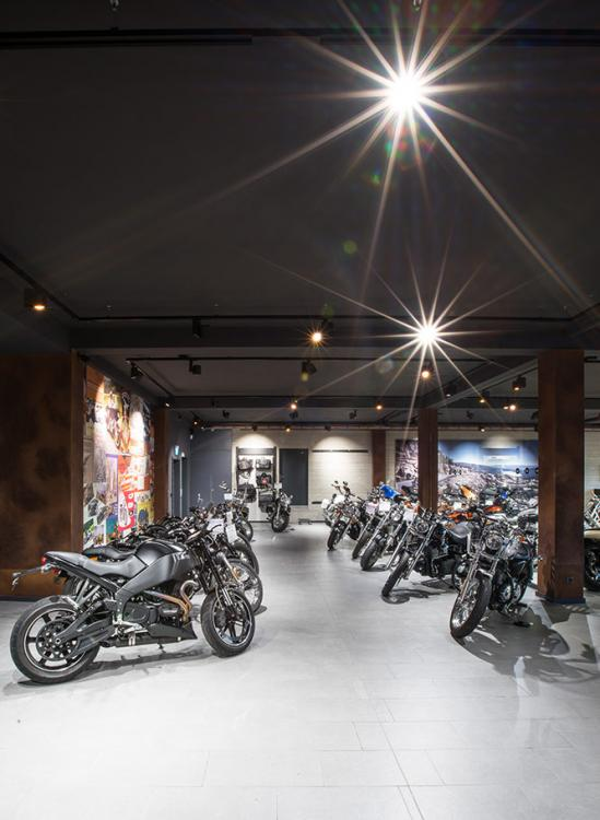Harley Davidson Shop - beleuchtung für einzelhandel × led beleuchtung ×  shopbeleuchtung led × led beleuchtung für einzelhandel × led beleuchtung einzelhandel × led retail beleuchtung × led-beleuchtung im einzelhandel 3