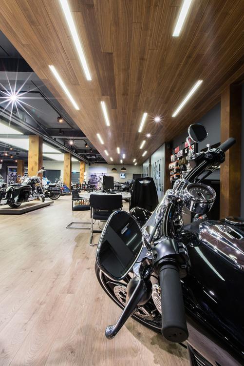 Harley Davidson Shop - beleuchtung für einzelhandel × led beleuchtung ×  shopbeleuchtung led × led beleuchtung für einzelhandel × led beleuchtung einzelhandel × led retail beleuchtung × led-beleuchtung im einzelhandel 4
