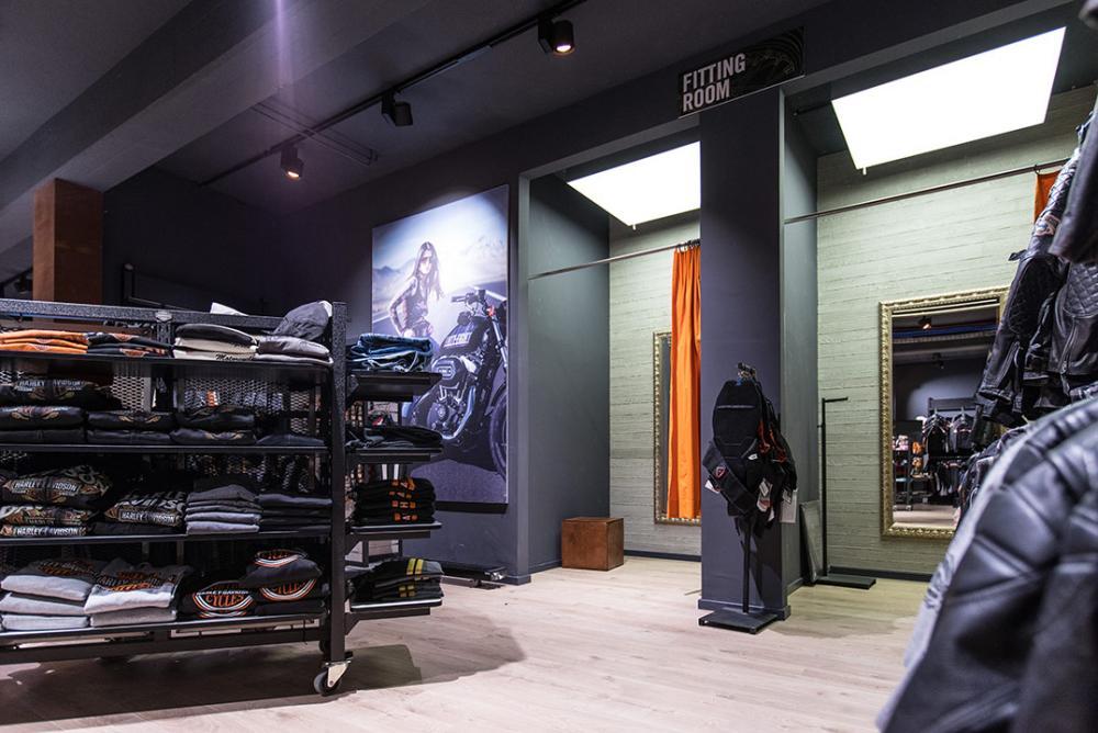 Harley Davidson Shop - beleuchtung für einzelhandel × led beleuchtung ×  shopbeleuchtung led × led beleuchtung für einzelhandel × led beleuchtung einzelhandel × led retail beleuchtung × led-beleuchtung im einzelhandel 13
