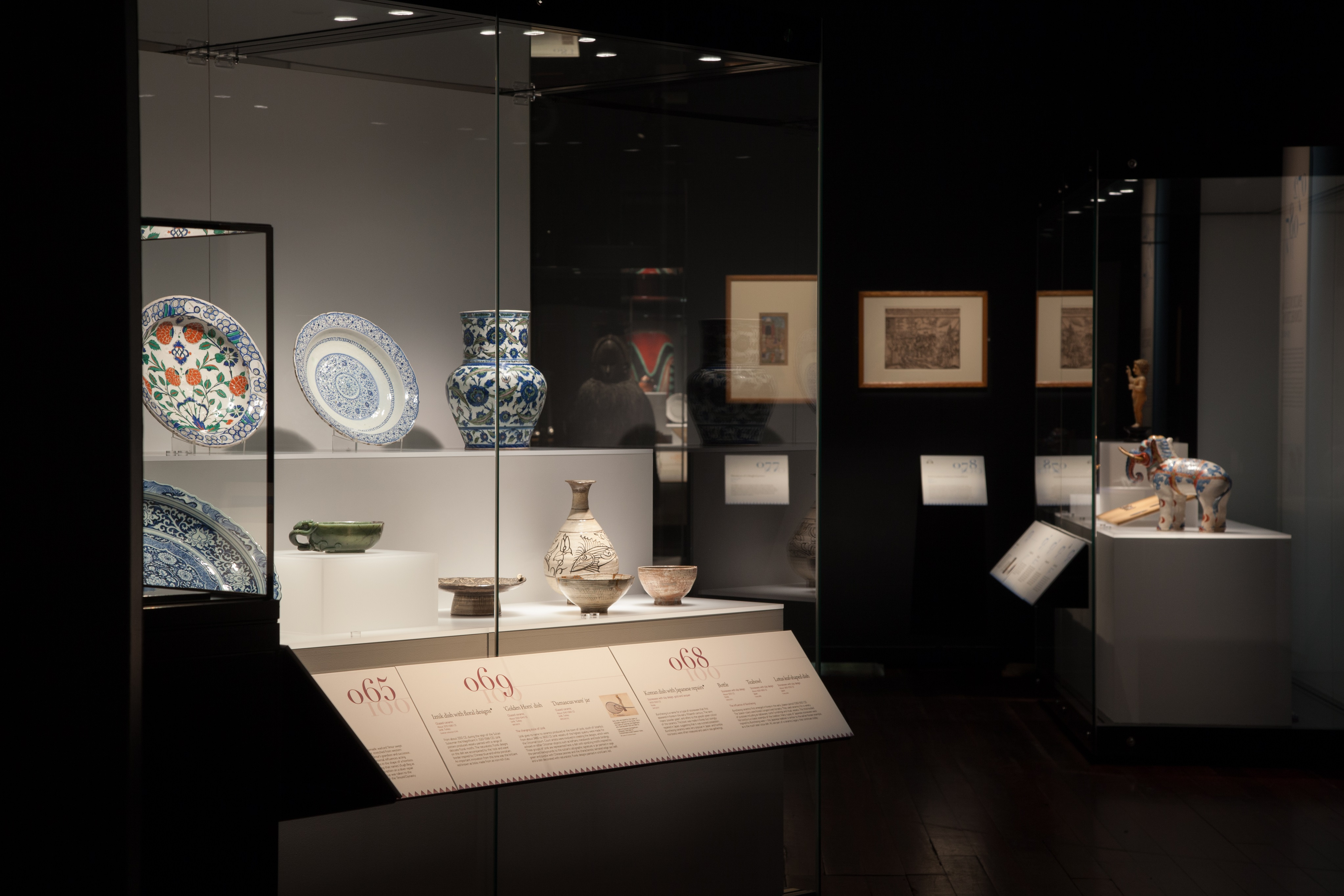 Galleries museums led lighting fixtures systems reviews galleries museums led lighting fixtures systems led lighting museum exhibits museum led arubaitofo Choice Image