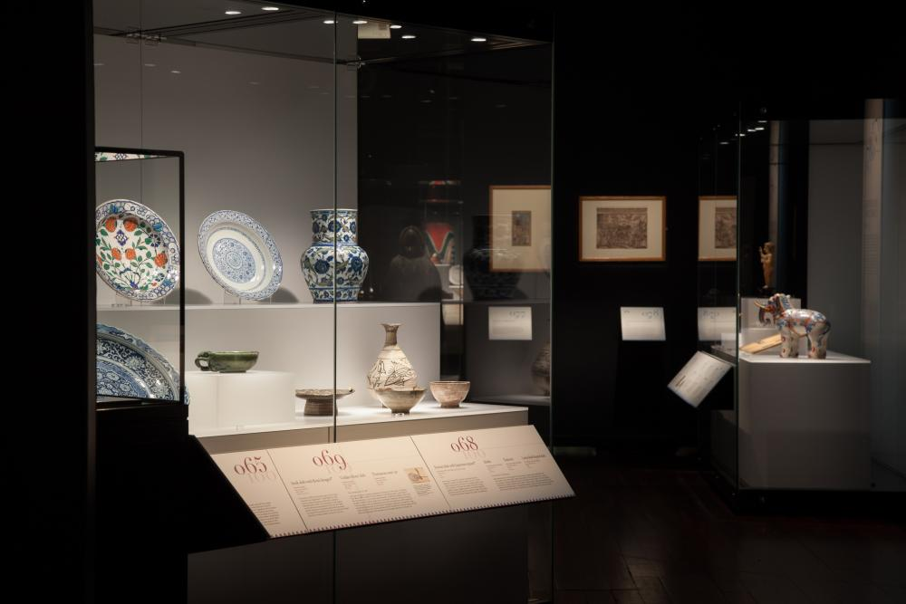 Galleries • Museums LED Lighting Fixtures & Systems - led lighting museum exhibits × museum led lighting fixtures × museum led lighting systems × led track lighting museum × led lighting for museum showcases × led museum lighting products × led lighting museum conservation