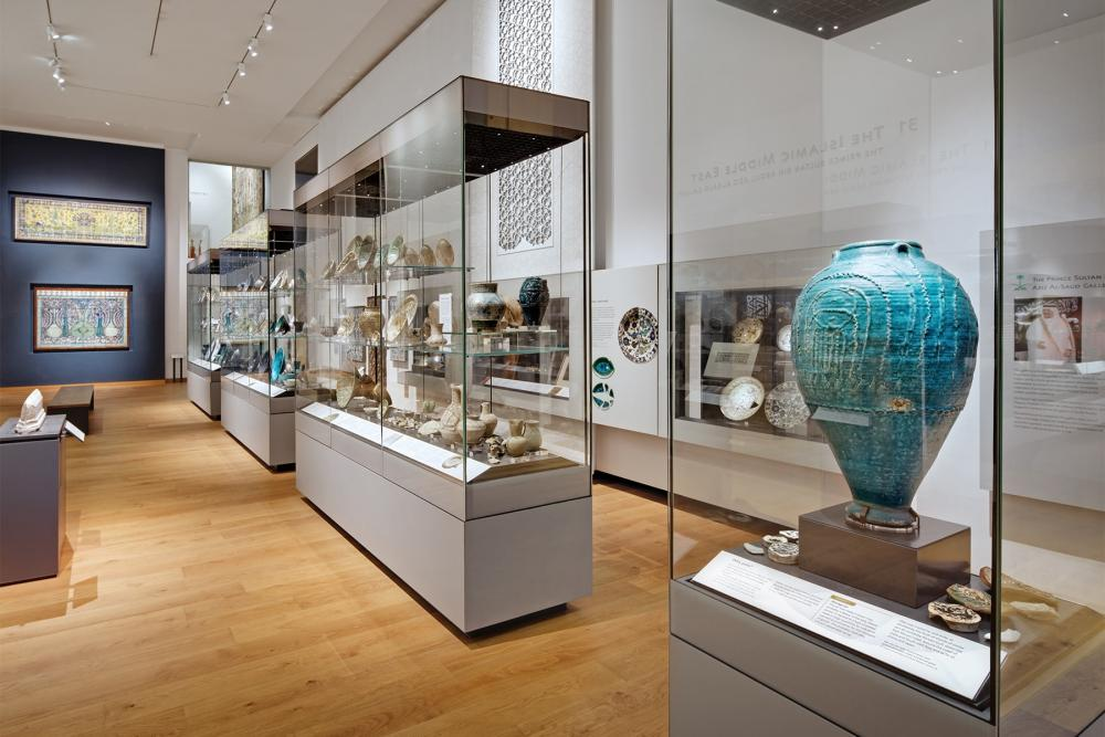 Galleries • Museums LED Lighting Fixtures & Systems - museum lighting and led technology × art museum led lighting × museum lighting and led