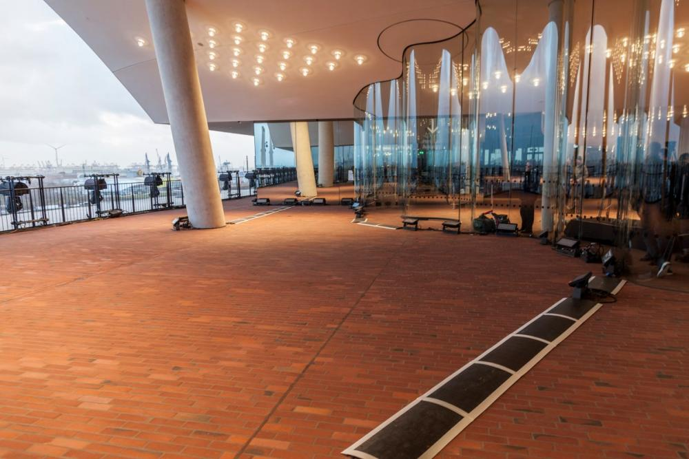 500 SGM wash lights inaugurate the Elbphilharmonie concert hall - Light Installations • LED Lighting Installations