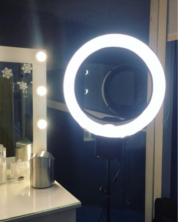 Nanguang Ringleuchte CN-R640 - Beauty Light Ring - led ringlicht ×  selfie ring light instagram × ringlicht video ×  ringlicht × ringlicht foto ×  selfie ring light iphone × ringlicht kamera ×  ringlicht lampe × ringlicht handy ×  foto ringlicht led × led rgb ringlicht ×  make up light ring × beauty light for iphone × ringlicht für video ×  mini ringlight