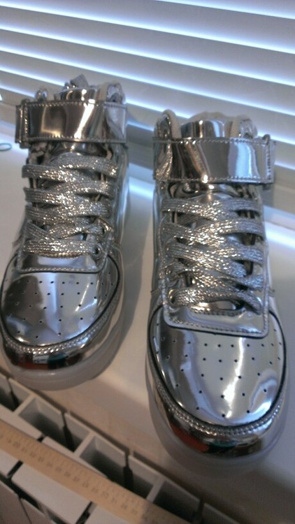 silver led shoes - silver led usb shoes 03