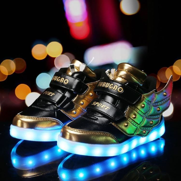 Chaussure lumineuse - LED Chaussures & Basket lumineuse. chaussures led femme