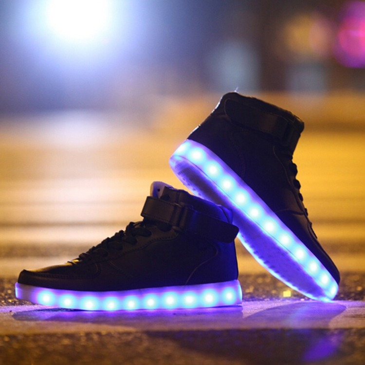 Chaussure lumineuse - LED Chaussures & Basket lumineuse. chaussures led fille