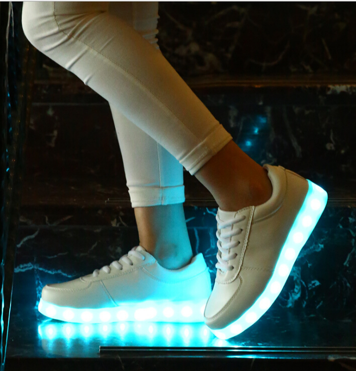 Chaussure lumineuse - LED Chaussures & Basket lumineuse. chaussures led usb rechargeable la lumière multicolore