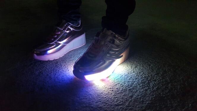 leuchtende Autos schuhe, leuchtende Schuhe Damen, leuchtende Schuhe im dunkeln, Leuchtende Schuhe für jungs, leuchtende Schuhe für Mädchen, leuchtende Schuhe Herren,