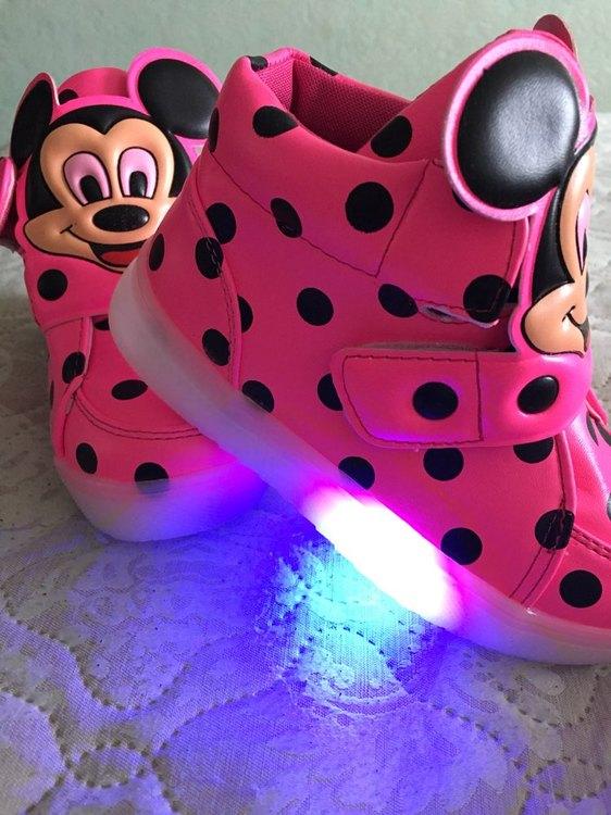 leuchtende Schuhe für Erwachsene, leuchtende Schuhe kaufen, leuchtende Schuhe für Kinder, Leuchtende Schuhe neon, leuchtende Schuhe erwachsene, leuchtende schuhe sohle, leuchtend schuhe,