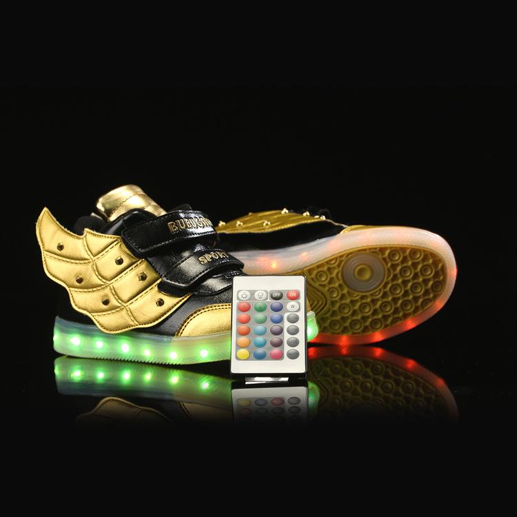 Zapatos con luz. Zapatillas LED - zapatos nike con luz, zapatos luz principe, zapatos luz propia, zapatillas led niña, zapatillas led corte ingles,