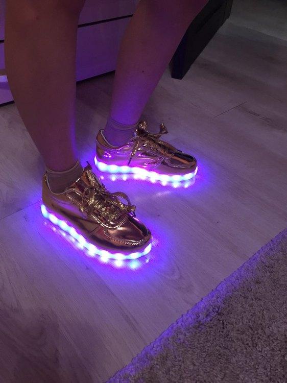 zapatillas con luz, zapatillas con luz aliexpress, zapatillas con luz adultos, zapatillas con luz abajo, zapatillas con luces años 90,