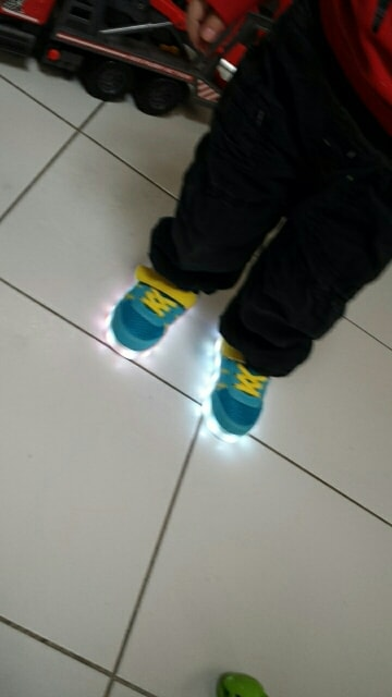 Chaussure lumineuse - LED Chaussures & Basket lumineuse - chaussures sneakers led × chaussure led pour enfant × led sneakers aliexpress