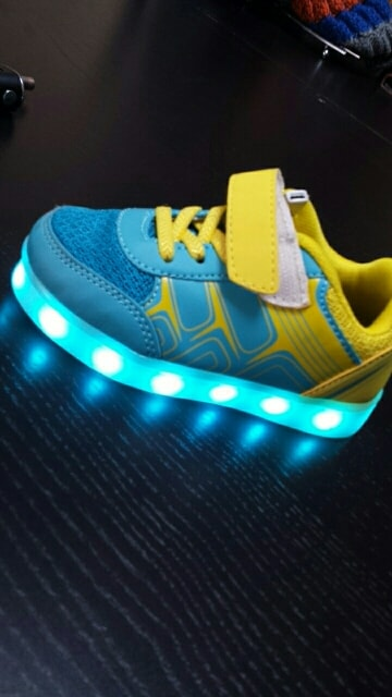Chaussure lumineuse - LED Chaussures & Basket lumineuse - chaussure lumineuse bebe × chaussure led france