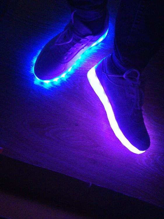 zapatos de luz principe, zapatos de barbie con luz, zapatos de niña con luz, zapatos de princesa con luz, zapatos de tacon con luz, zapatos en luz del tajo,