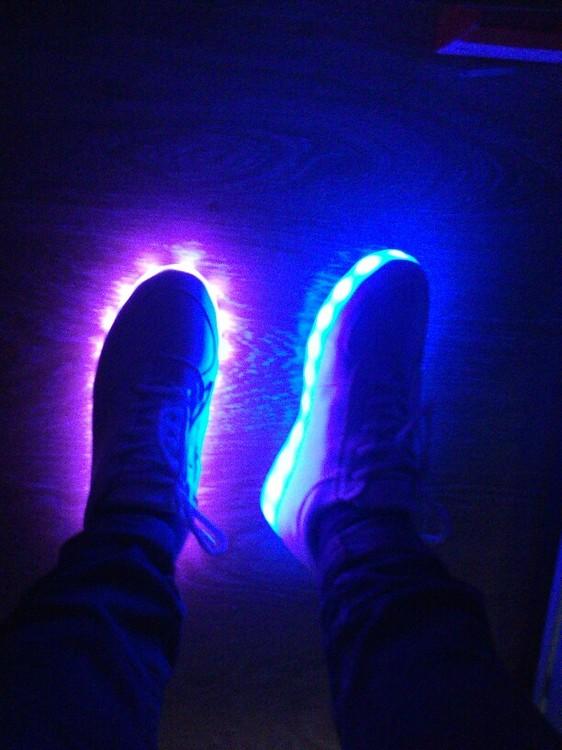 zapatos infantiles con luz, zapatos mari luz, zapatos nike con luz, zapatos luz principe, zapatos luz propia, zapatillas led niña,