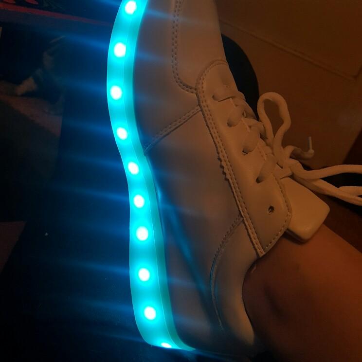zapatos de luz mila lopez, zapatos de luz principe, zapatos de barbie con luz, zapatos de niña con luz, zapatos de princesa con luz,