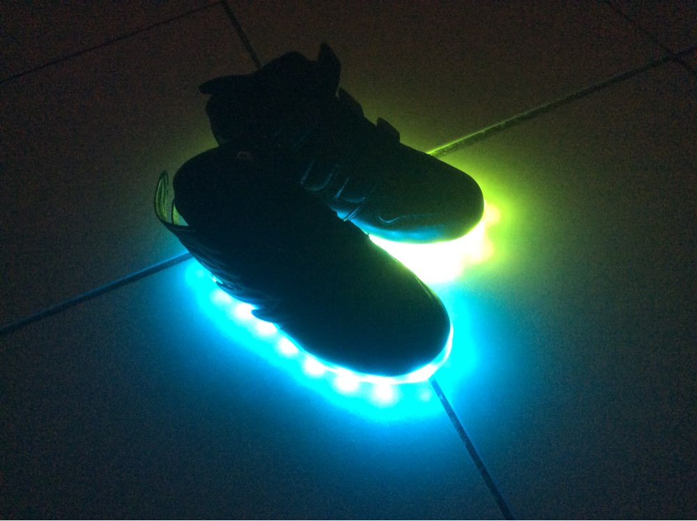 Chaussure lumineuse - LED Chaussures