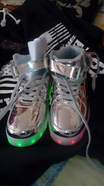 zapatos con luz led mercadolibre, zapatos con luz barbie, zapatos con luz princesas, zapatos con luz, zapatos cable luz, zapatos con luz de barbie,