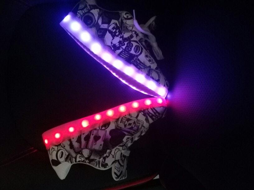 zapatos de princesa con luz, zapatos de tacon con luz, zapatos en luz del tajo, zapatos infantiles con luz, zapatos mari luz, zapatos nike con luz, zapatos luz principe, zapatos luz propia,