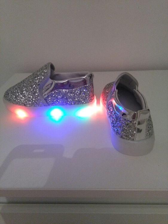 zapatillas led bebe, zapatillas led barcelona, zapatillas con luz niña,