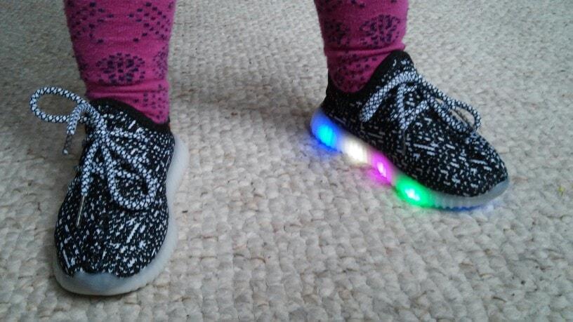 ledowe buty dla dzieci, ledowe buty cena,adidasy ledowe Dla Dzieci,
