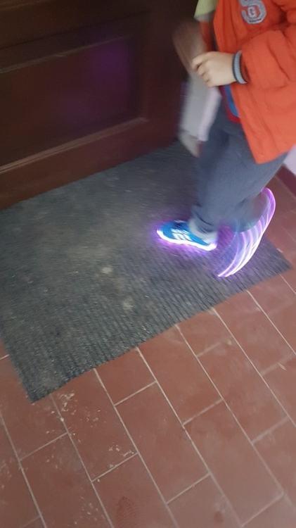 ledowe buty opinie, ledowe buty, ledowe buty damskie, ledowe buty gdzie kupić, adidasy ledowe, adidasy ledowe Dla Dzieci,