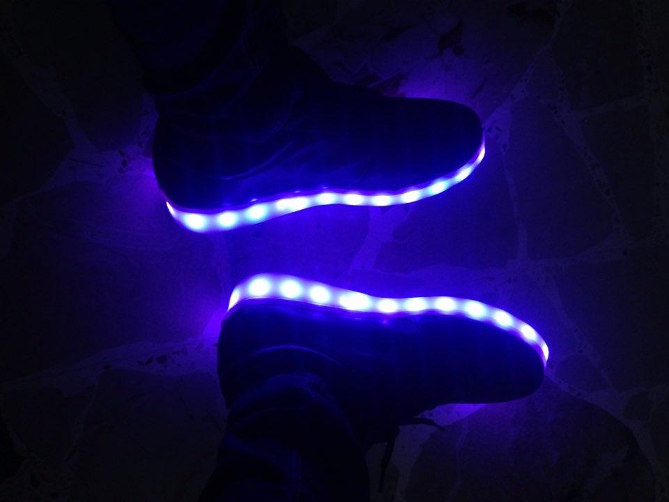 scarpe con luci per adulti, scarpe con luci per bambini, scarpe con luci per bimbo, scarpe con luci da bambina, scarpe batman con luci,