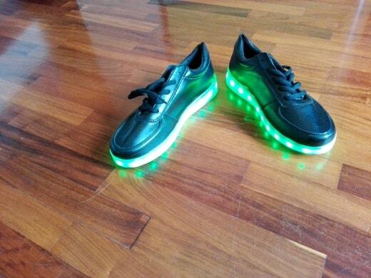 scarpe da ginnastica con luci, scarpe da ginnastica con lucine, scarpe con luci e rotelle, scarpe con luci per bimba, scarpe con luci,