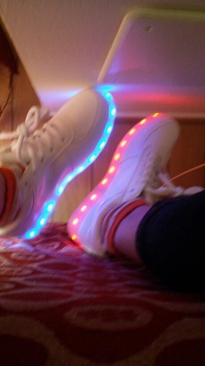 scarpe ginnastica con luci scarpe hello kitty con luci scarpe super jump con luci scarpe con le luci scarpe con le luci bambino scarpe con le luci per bambini