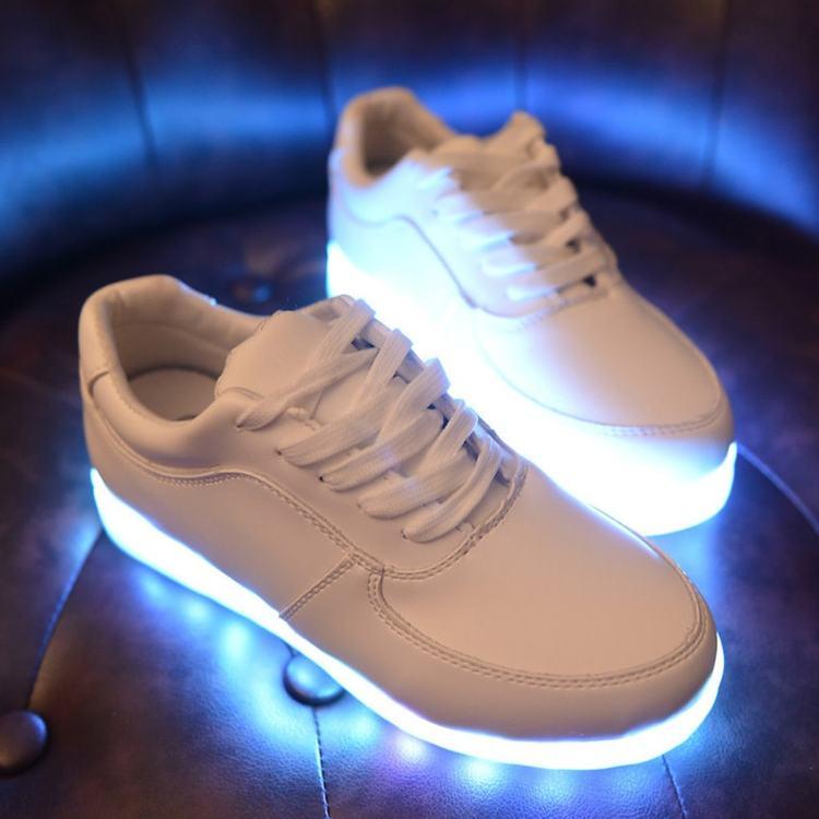 sko med lys i sålen, sko med lys til børn, sko med lys til voksne, sko med lys i bunden,