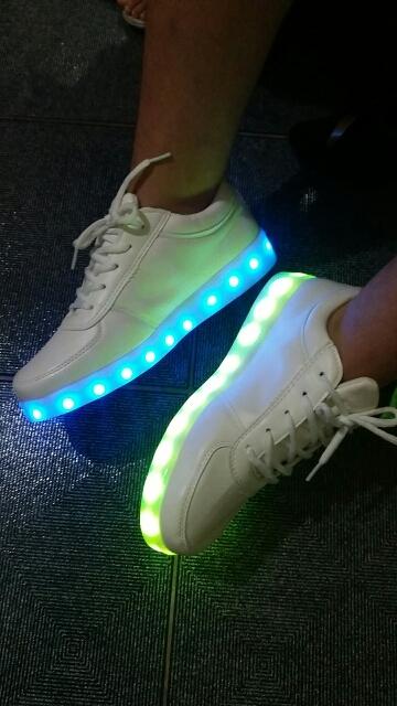 tenis com luz de led, tenis con luz led, tenis infantil luz de led, luz led para tenis,