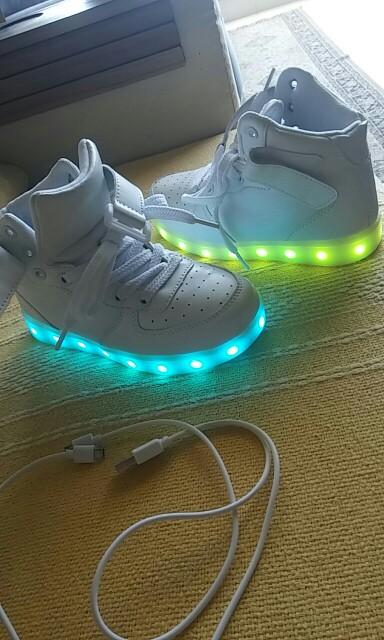 sapatos com luz, sapatos infantil com luz, sapatos luz da lua precos, sapatos anna luz, sapatos de luzes,
