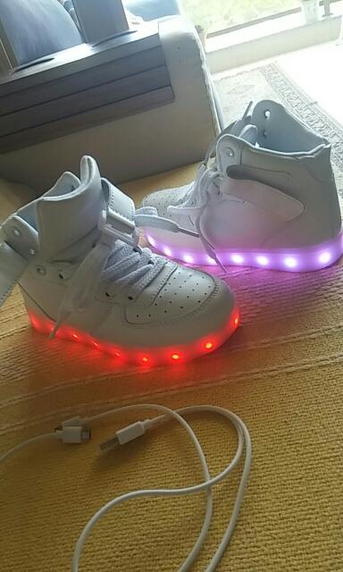 sapatos raio de luz, sapatos luz, sapatos das asas de luz, sapatos com luz, sapatos luz da, tenis luz led,