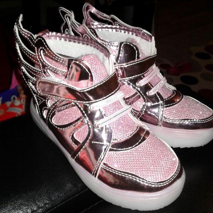 led ayakkabı dans, led ayakkabı bağcığı, led ayakkabı klipsi, led ışıklı ayakkabı bağcığı, led ayakkabı fiyatları, led ışıklı ayakkabı,