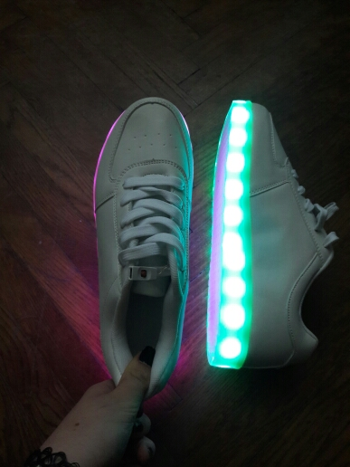 led ayakkabı, led ayakkabılar, led ayakkabı bayan, led ayakkabı bağcıkları, led ayakkabı satın al,