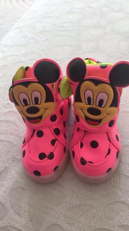 led ayakkabı klipsi, led ışıklı ayakkabı bağcığı, led ayakkabı fiyatları, led ışıklı ayakkabı,