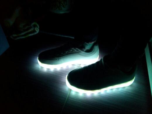 leidde sneakers voor volwassenen, leidde sneakers te koop, leidde sneakers Kopen, LED verlichting sneakers,
